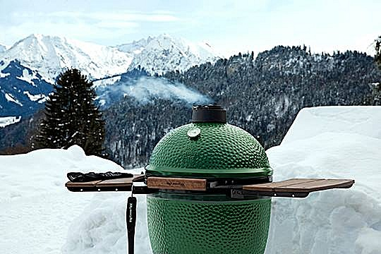 big-green-egg-winter